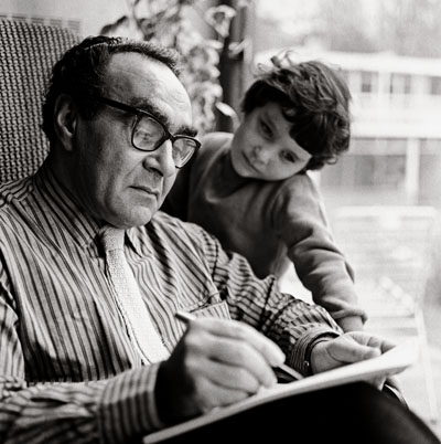 Jacob_Bronowski_n_daughter_1961_p120