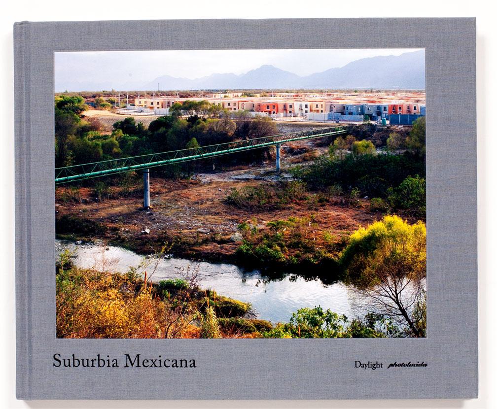 Alejandro_Cartagena-Suburbia_Mexicana_cover
