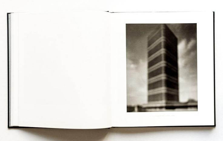 Hiroshi_Sugimoto-Hiroshi_Sugimoto-_Architecture-4